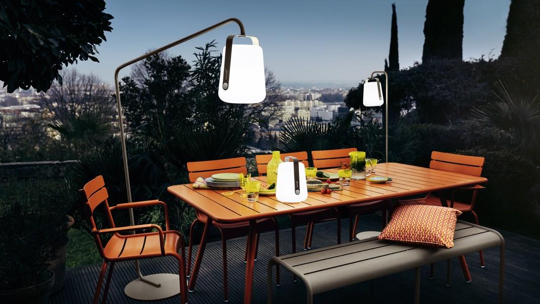 Banc, table, fauteuil et chaises LUXEMBOURG BALAD h38 et h25 carotte muscade Fermob
