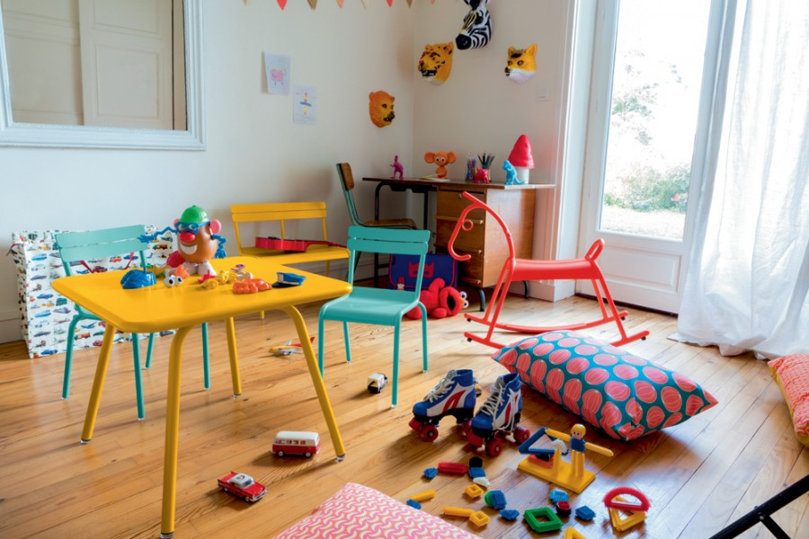 Table, chaise et banc Luxembourg-Kid cheval bascule adada miel lagune capucine Fermob