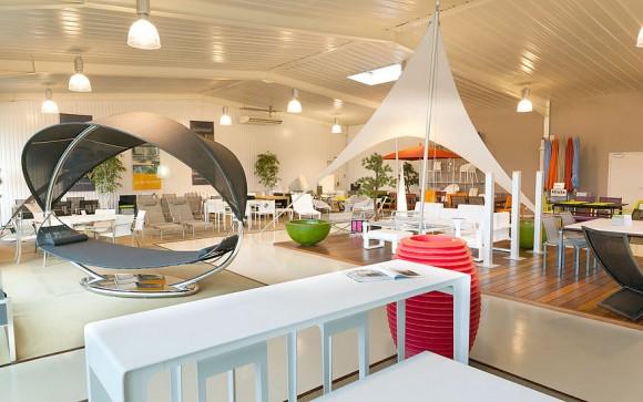 6 showroom meubles jardin design lorient terrasse et demeureterrasse et demeure. Black Bedroom Furniture Sets. Home Design Ideas