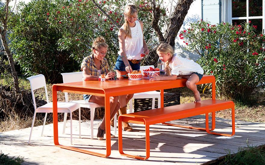 FERMOB - Table, chaise et banc Bellevie en aluminium - 24 couleurs