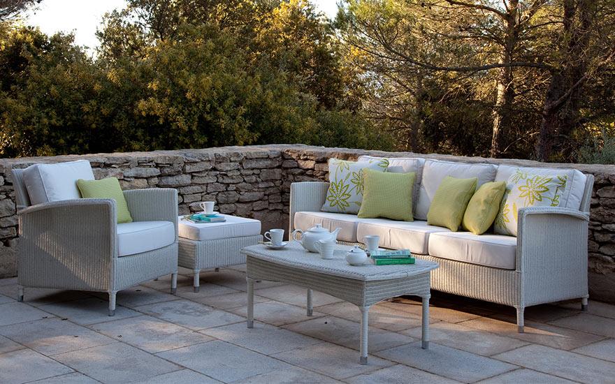 Salon de jardin, canapé, fauteuil bas et banquette ...