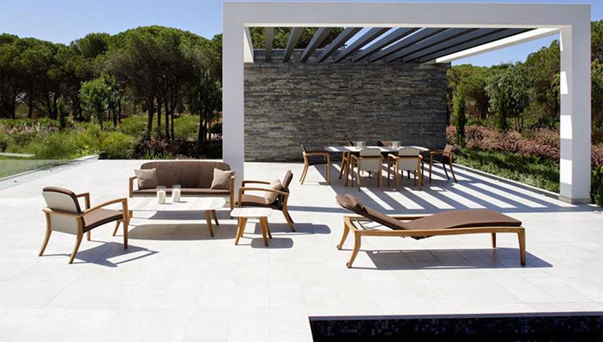 ROYAL BOTANIA Zidiz table et fauteuils
