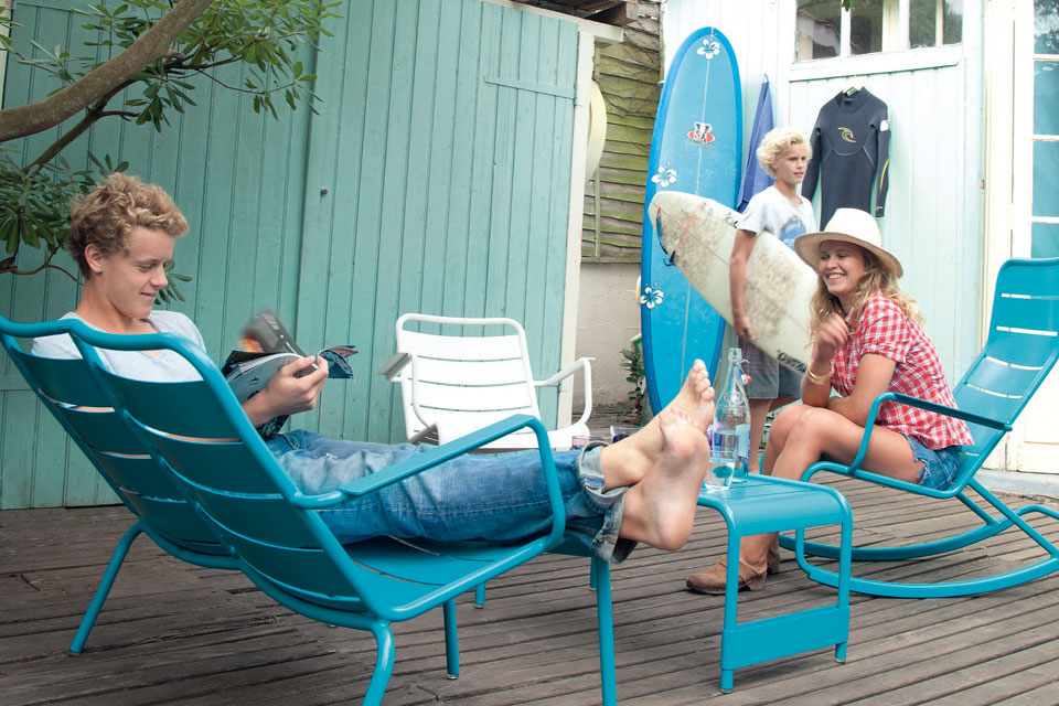 FERMOB - Collection Luxembourg - rocking chair et fauteuil bas duo, table basse - Couleurs turquoise et coton