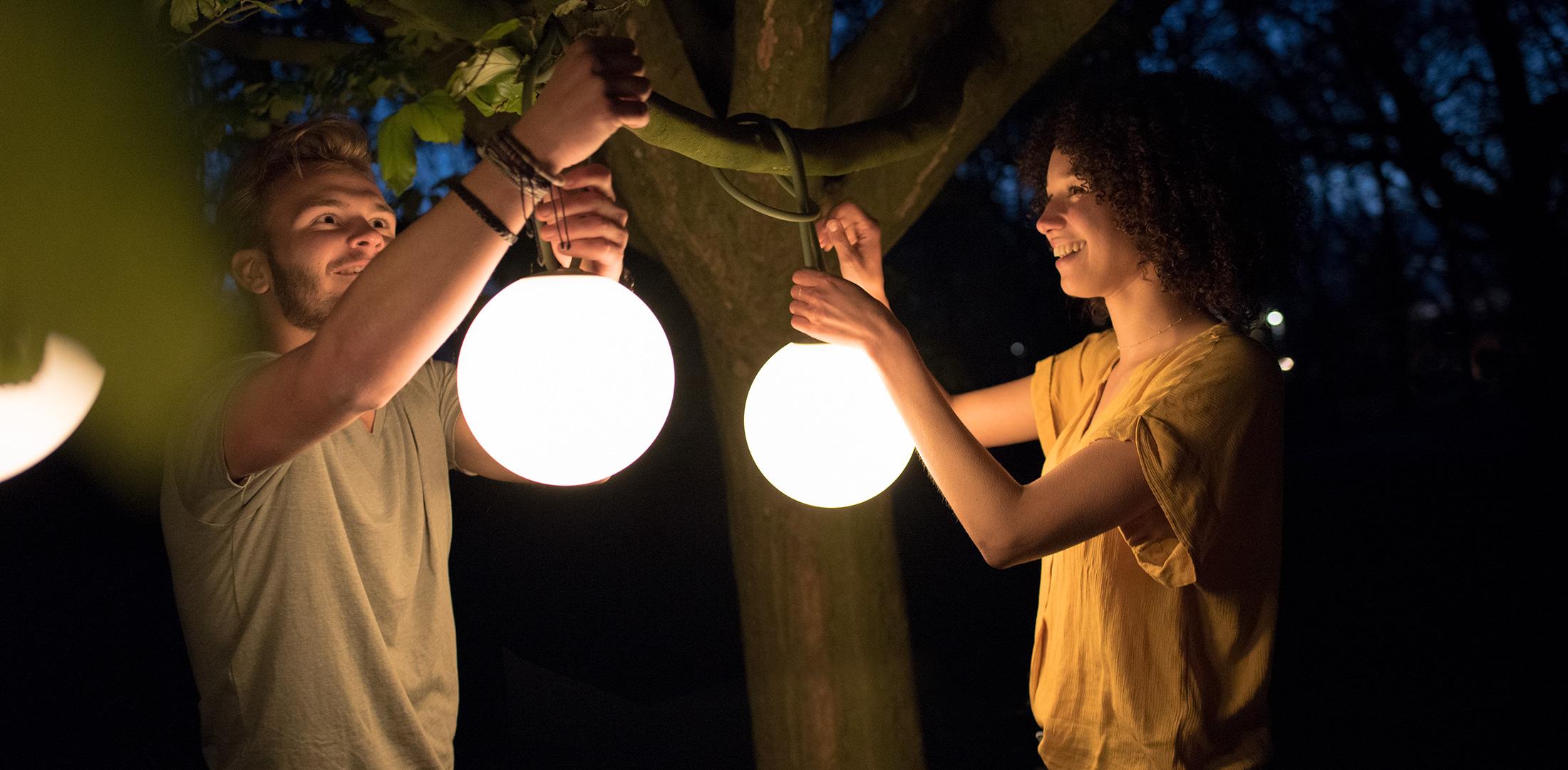 Lampe à suspendre de jardin rechargeable fatboy bolleke tree