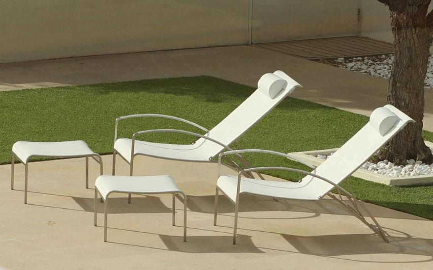 Bain de soleil et transat design terrasse et - Fauteuil relax avec repose pied ...