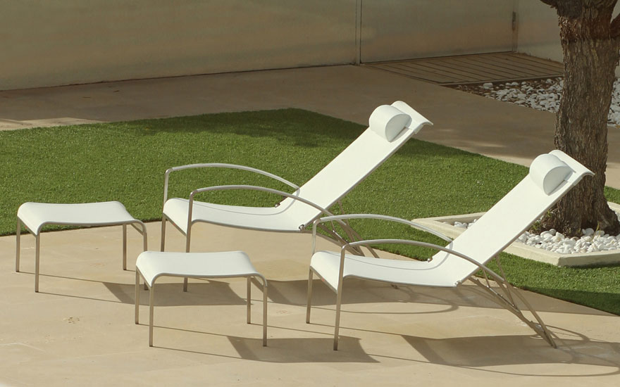 ROYAL BOTANIA Fauteuil relax inclinable et empilable en inox avec repose-pieds - 4 couleurs