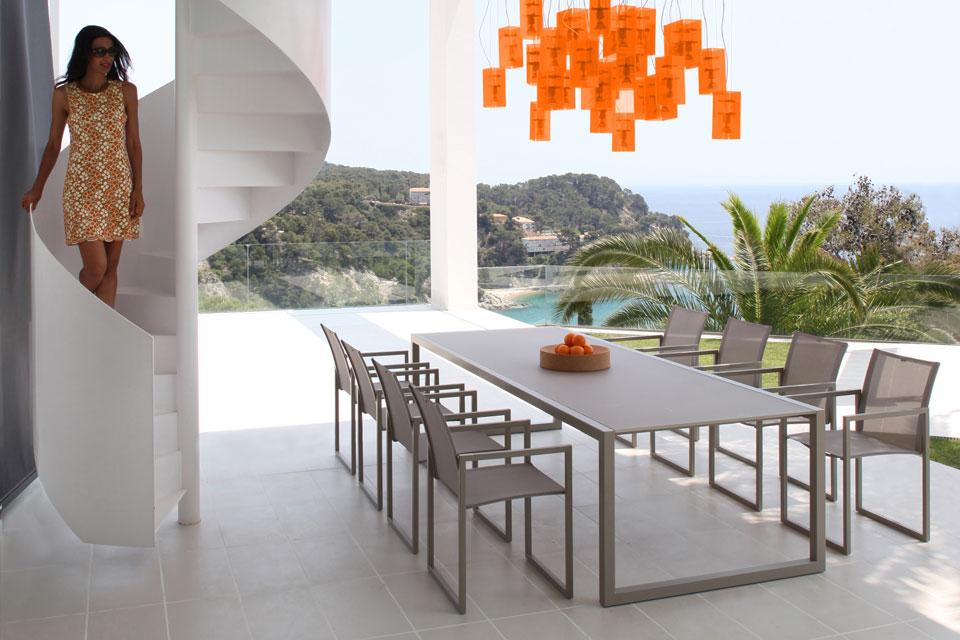 ROYAL BOTANIA Ninix table fauteuils extensible inox plateau verre ceramique hpl teck 4-couleurs