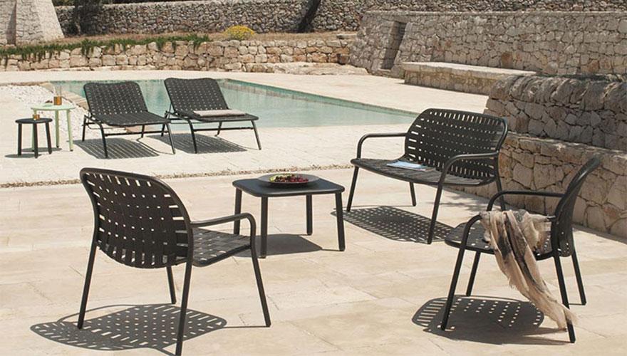 Fauteuils bas - bain de soleil et table basse Yard
