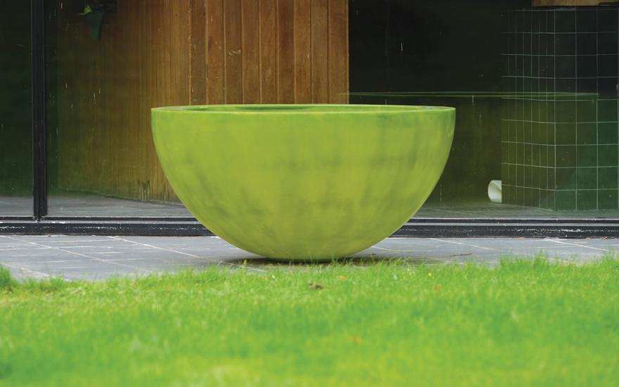 Pots design vases et jardini res terrasse et for Pot de jardin contemporain